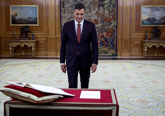O Πέδρο Σάντσεθ ορκίζεται πρωθυπουργός