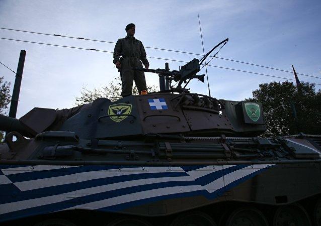 Στρατιώτης σε παρέλαση