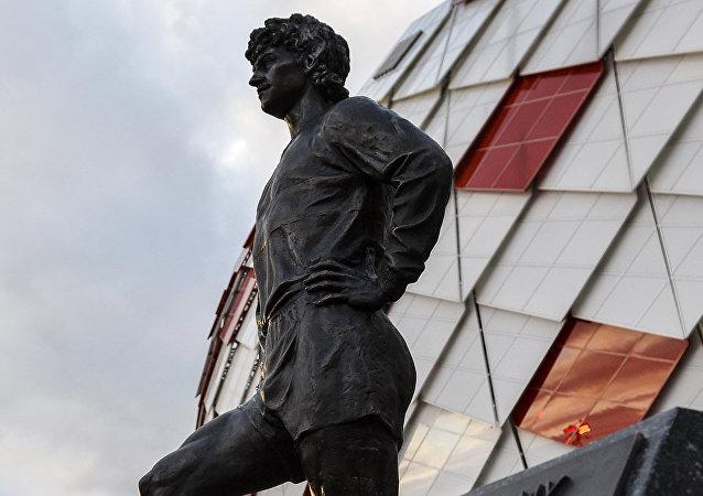 Άγαλμα του θρύλου της Σπαρτάκ, Φέντορ Τσερένκοφ, στη Μόσχα