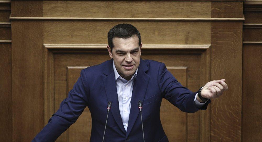 Ο Πρωθυπουργός Αλέξης Τσίπρας στο βήμα της Βουλής