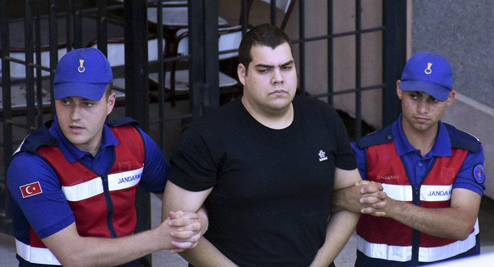 Ο Δημήτρης Κούκλατζης συνοδεύεται από δυνάμεις ασφαλείας στο δικαστήριο της Αδριανούπολης