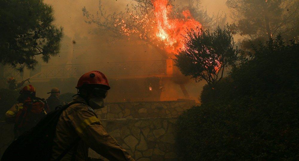 Πυρκαγιά στα Γεράνεια Όρη, στην ευρύτερη περιοχή της Κινέτας