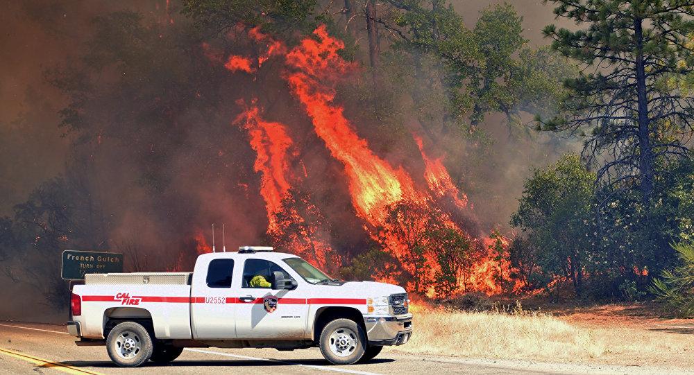Πυροσβεστικό όχημα στην πυρκαγιά που μαίνεται στην Καλιφόρνια