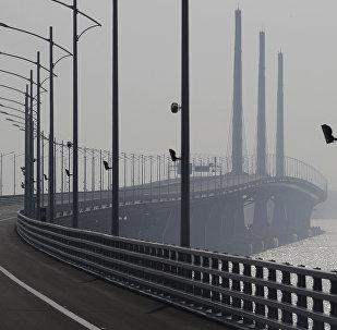 Η γέφυρα που συνδέει το Χονγκ Κονγκ με το Μακάο και την πόλη Ζουχάι (Zhuhai)