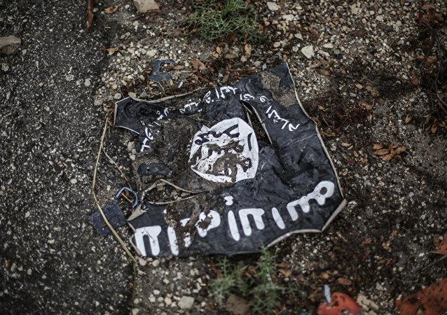 H σημαία του Ισλαμικού Κράτους στη Λατάκεια του Ιράκ