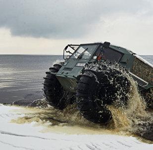 Το ρωσικό όχημα παντός εδάφους SHERP ATV
