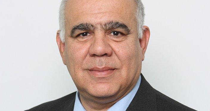 Ο πρόεδρος του Κυπριακού Κέντρου Ευρωπαϊκών και Διεθνών Υποθέσεων και του Τμήματος Πολιτικών Επιστημών και Διακυβέρνησης του Πανεπιστημίου Λευκωσίας, Ανδρέας Θεοφάνους