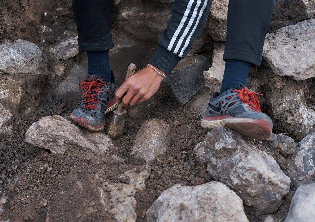 Αρχαιολόγοι.