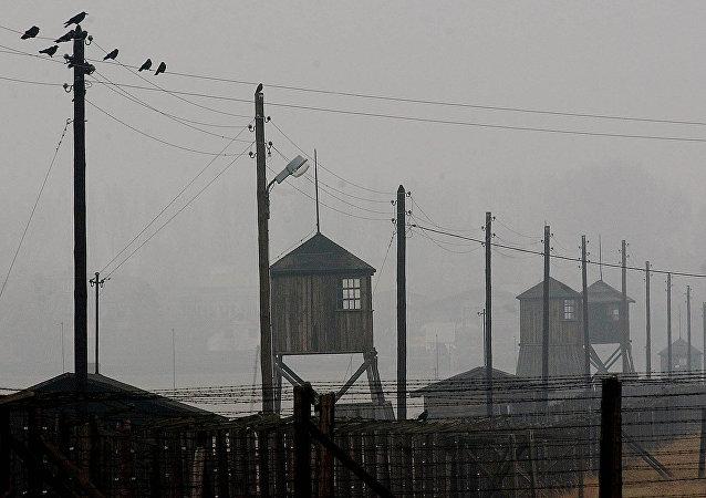 Παρατηρητήρια και φράχτες στο πρώην ναζιστικό στρατόπεδο συγκέντρωσης Μαϊντάνεκ, έξω από την πόλη Λουμπλίν στην ανατολική Πολωνία.