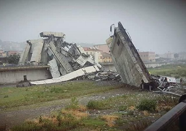 Κατέρρευσε γέφυρα στη Γένοβα