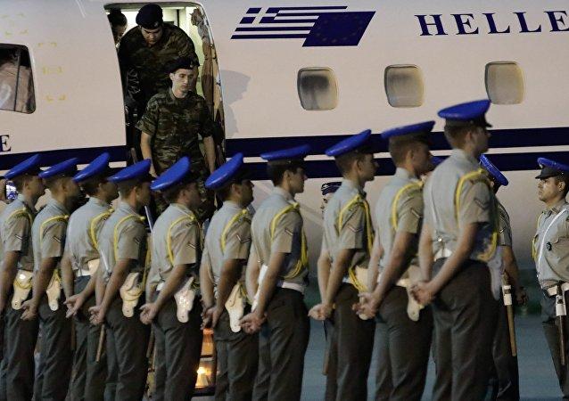 Υποδοχή ελλήνων στρατιωτικών