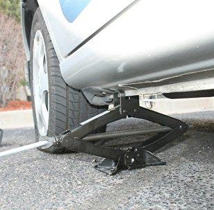 Σκασμένο λάστιχο αυτοκινήτου