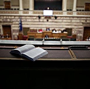 Συζήτηση και ψήφιση σχετικά με το επερχόμενο πολυνομοσχέδιο, στην αίθουσα της ολομέλειας