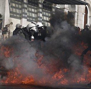 Επεισόδια στην πορεία κατά τη διάρκεια της 24ωρης απεργίας ΓΣΕΕ και ΑΔΕΔΥ