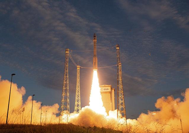 Εκτόξευση του δορυφόρου «Αίολος»