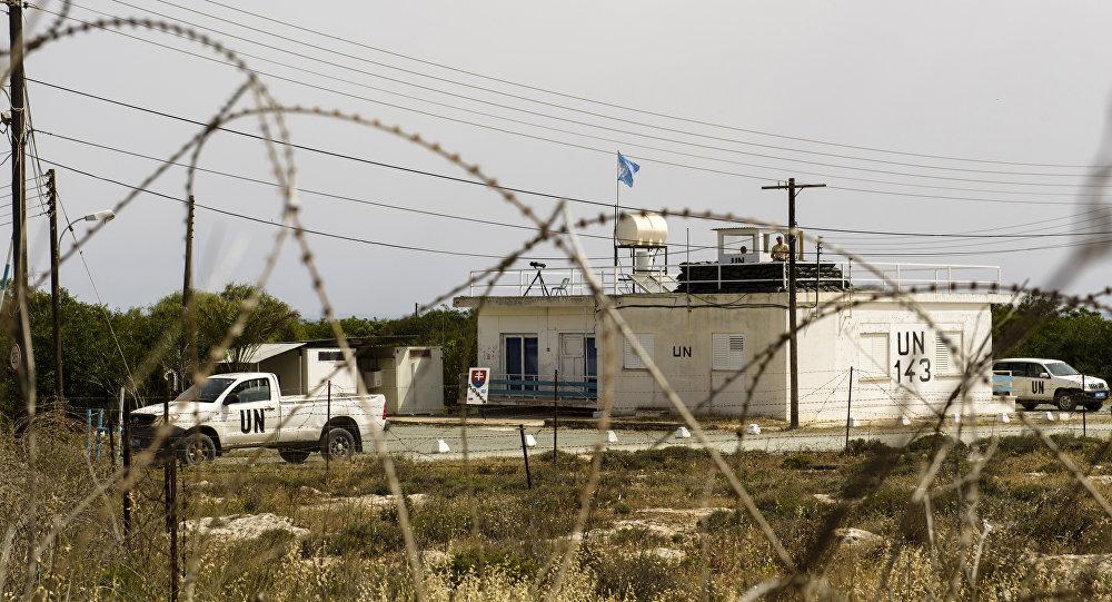 Σημείο ελέγχου στο σύνορο με το κατεχόμενο μέρος της Κύπρου