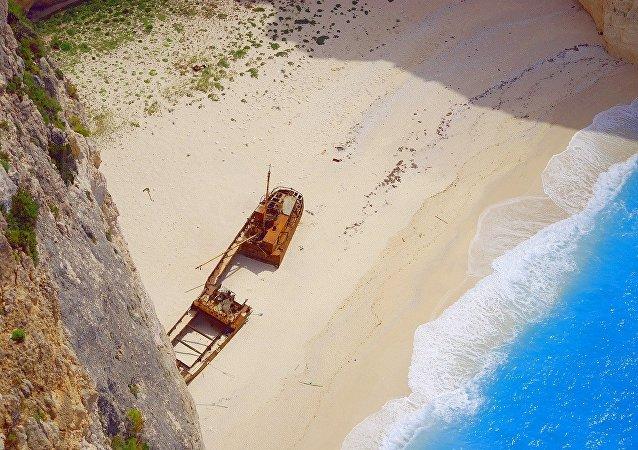 Η παγκοσμίως γνωστή παραλία Ναυάγιο στη Ζάκυνθο