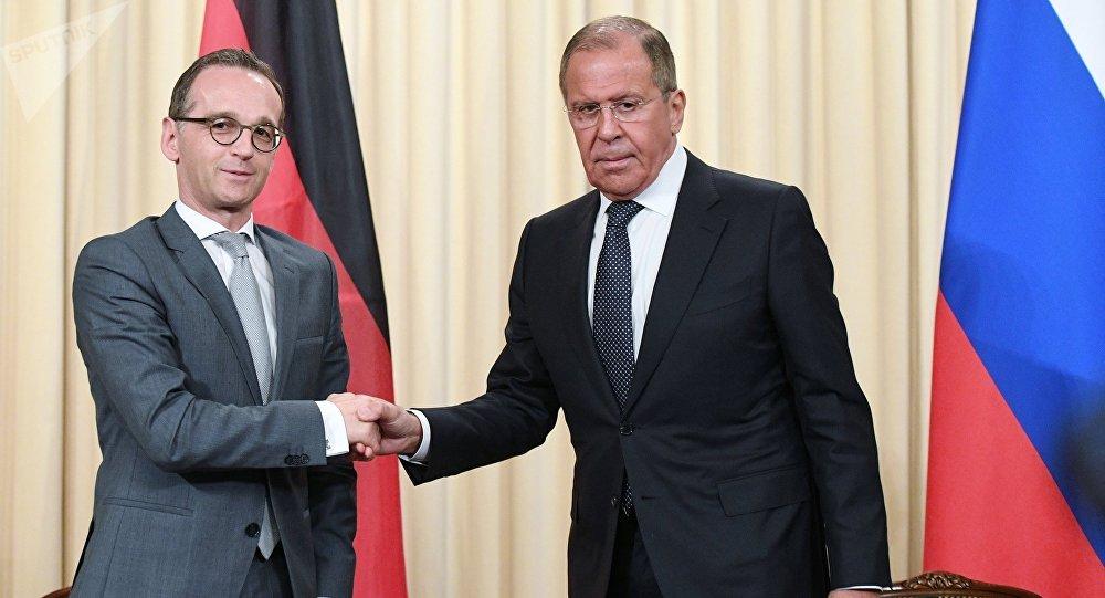 Ο ρώσος υπουργός Εξωτερικών Σεργκέι Λαβρόφ και ο γερμανός ομόλογός του Χάικο Μάας