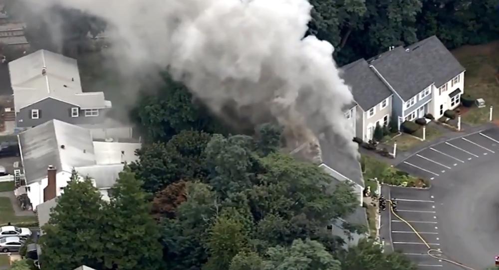 Σπίτια στη Μασαχουσέτη τυλίγονται στις φλόγες λόγω βλάβης στο δίκτυο φυσικού αερίου