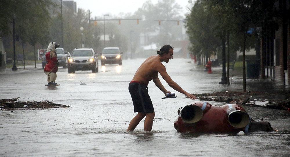 Το καταστροφικό πέρασμα του κυκλώνα Φλόρενς από τις ΗΠΑ