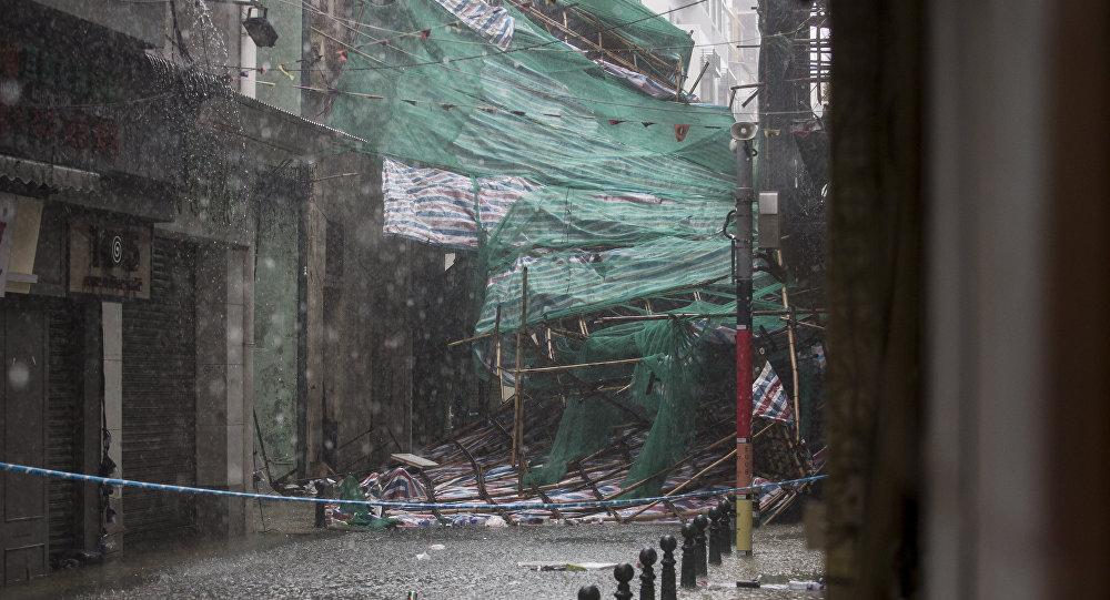 Καταστροφές στις Φιλιππίνες λόγω του τυφώνα Μανγκούτ