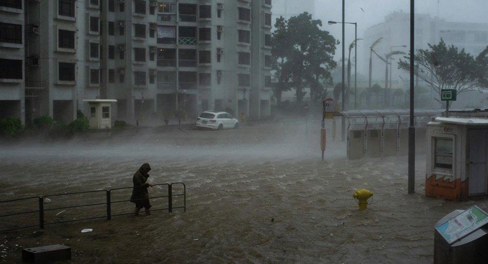 Ο υπερτυφώνας Μανγκούτ